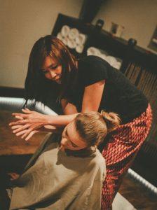 Pečių masažai