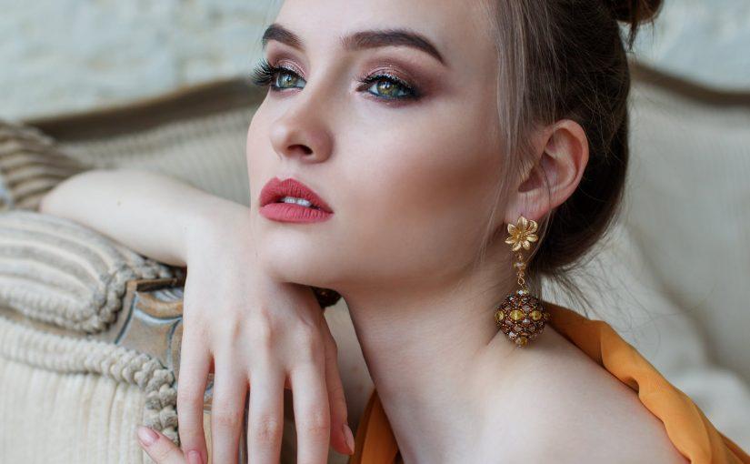 Produktai, padedantys prižiūrėti veido odą