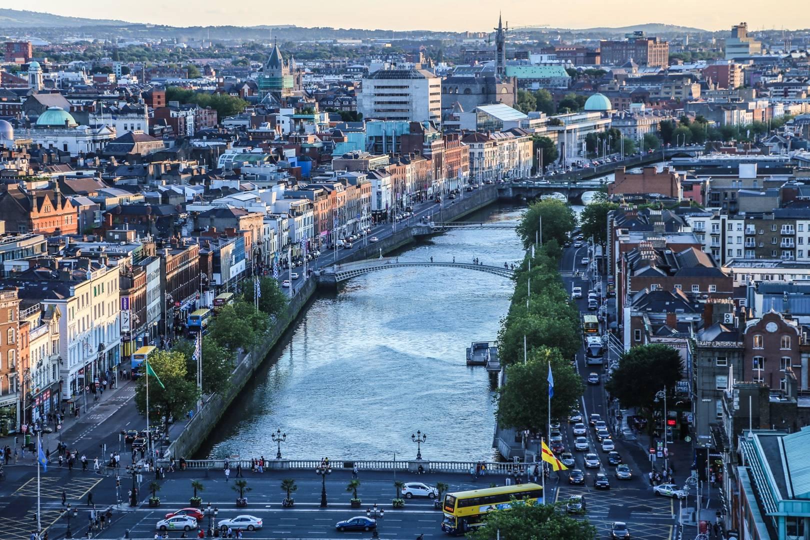 Pigus skrydziai i Dublina